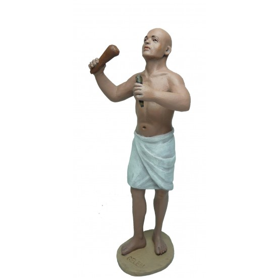 Egipcio escultor en pié