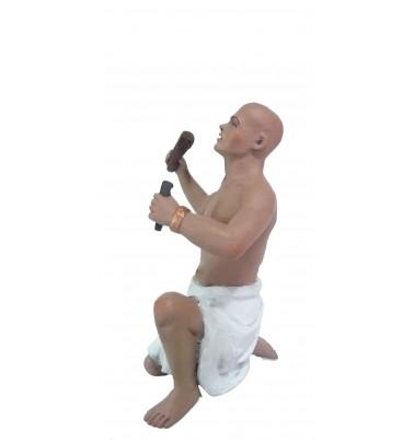 Egipcio escultor arrodillado.