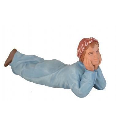 Niño tumbado